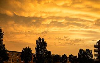 Vreemde wolken in de lucht